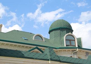 Зелёная битумная черепица RoofShield в Симферополе для кровли частного дома