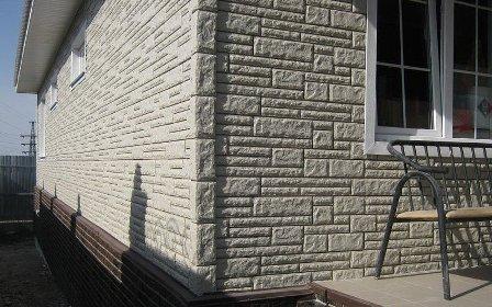 Купить по выгодной цене качественные наружные фасадные панели для отделки дома «под камень» и «под кирпич» предлагает в Феодосии компания «Кровля-Про»