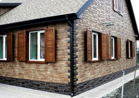 Выгодно и недорого купить недорогие фасадные панели для наружной отделки дома «под камень» и «под кирпич» в Севастополе предлагает компания «Кровля-Про»