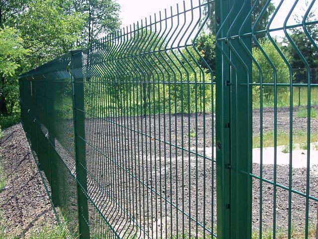 Купить 3D забор с зелёным полимерным покрытием в Феодосии и Керчи для ограждения дачного участка
