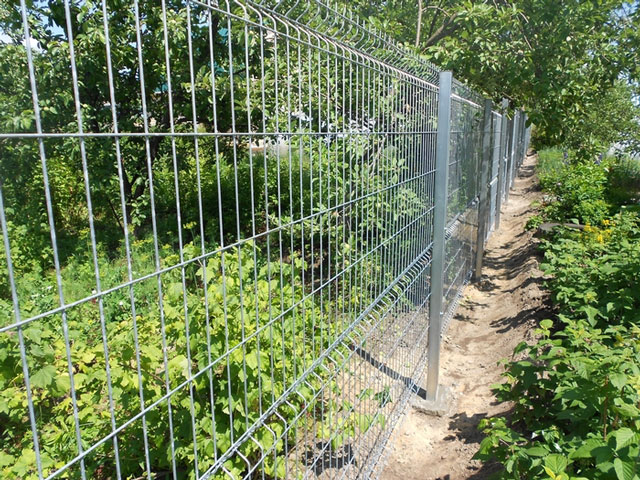 3D забор из оцинкованной евросетки для ограждения земельного участка в Саках, Евпатории, Черноморском