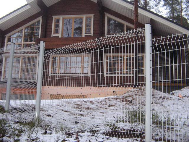 Оцинкованный серый 3D забор из евросетки для ограждения участка. Купить в Севастополе и Бахчисарае