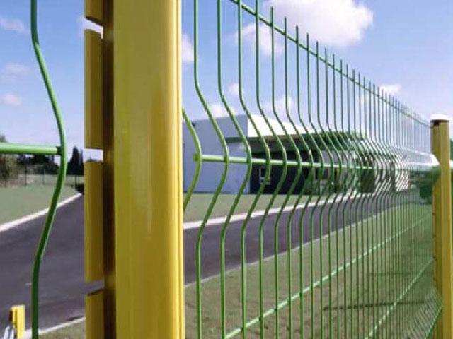 Купить 3D забор в Алуште и Ялте с цветным полимерным покрытием для ограждения участка