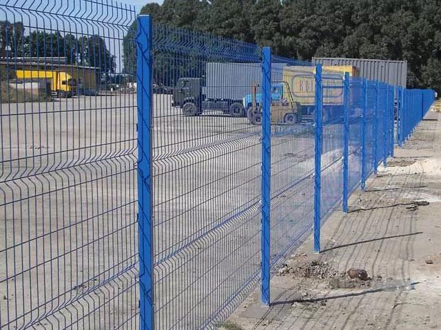 Синий 3D забор в Красноперекопске и Первомайском для ограждения промышленного предприятия