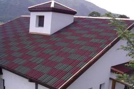 Цветной ондулин на крыше в Евпатории