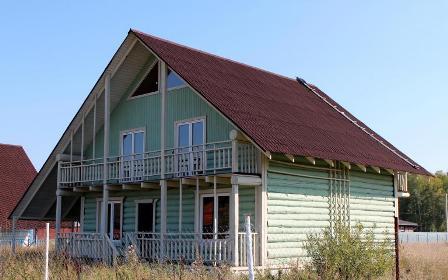 Ондулин на крыше дома в городе Керчь