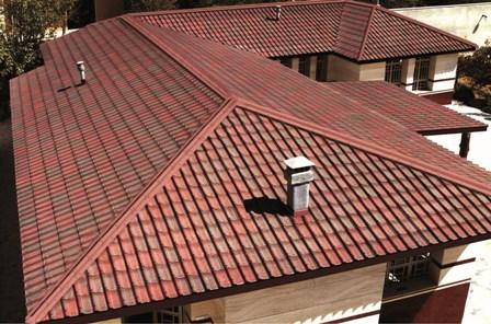 Ондулин на крыше дома в Симферополе